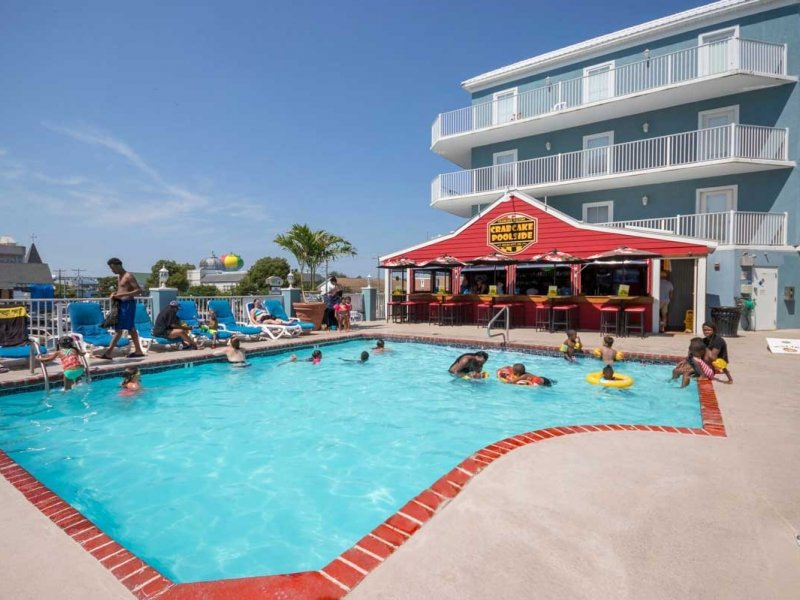 hotel pool on sunny day in ocean city